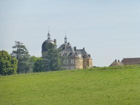 Château de Digoine - ecluse No 19   Travelling the Canals
